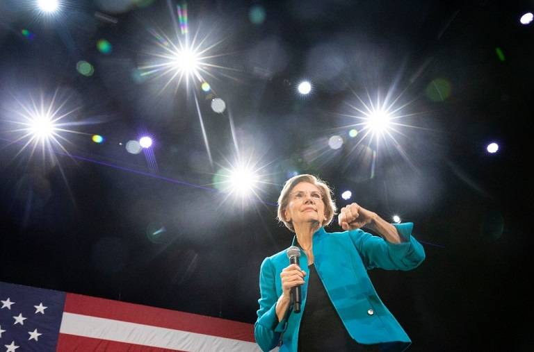 How Elizabeth Warren Is Being Squeezed by 2 Democratic Factions