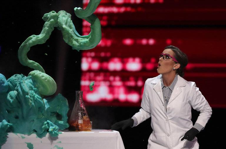 You Can Try Miss America's Science Experiment at Home